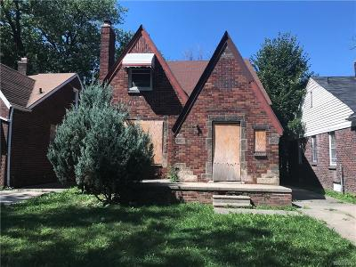 Detroit Single Family Home For Sale: 10811 Roxbury St