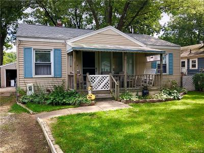 Clinton Township Single Family Home For Sale: 39224 Charbeneau St
