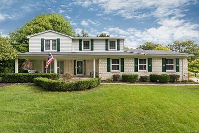 Shelby Twp Single Family Home For Sale: 53611 Woodbridge Dr