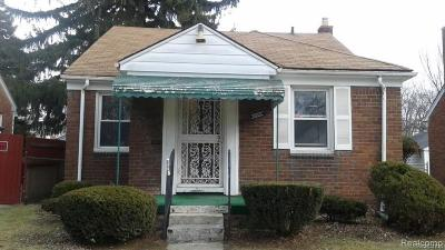 Detroit Single Family Home For Sale: 8856 Stahelin Ave