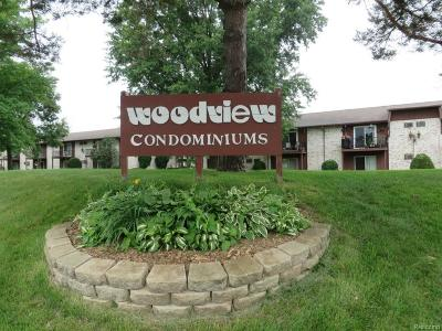 Westland Condo/Townhouse For Sale: 7662 Woodview St