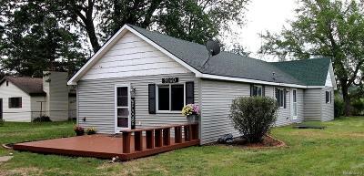 Clarkston Single Family Home For Sale: 9160 Davisburg Rd
