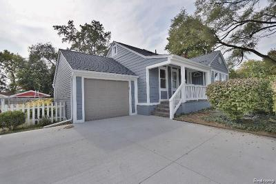 Sterling Heights Single Family Home For Sale: 42755 Utica Rd