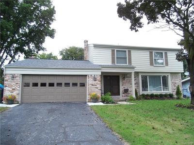 Shelby Twp Single Family Home For Sale: 8935 Carriage Hill Dr
