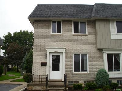 Sterling Heights Condo/Townhouse For Sale: 4426 15 Mile Rd