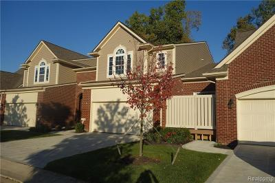 West Bloomfield Condo/Townhouse For Sale: 7524 Berry Wood Ln
