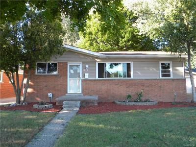 Saint Clair Shores Single Family Home For Sale: 23021 Lincoln St
