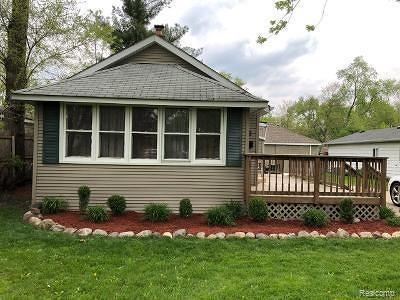 Clawson Single Family Home For Sale: 544 Broadacre Ave