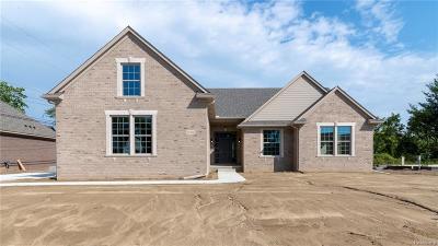 Livonia Single Family Home For Sale: 35336 Milana