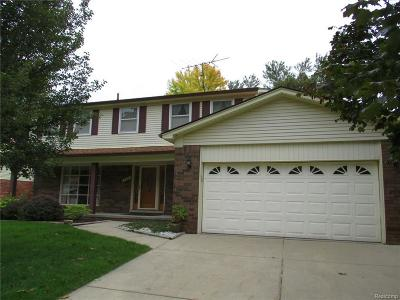 Rochester Hills Single Family Home For Sale: 434 Pinehurst Dr