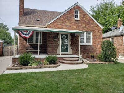 Dearborn Heights Single Family Home For Sale: 5999 Mayburn