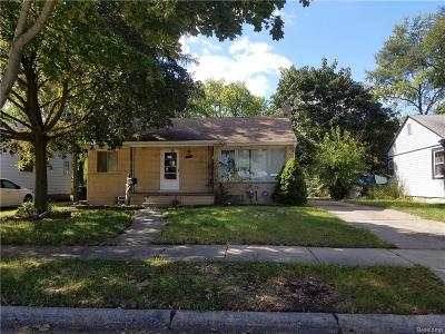 Oak Park Single Family Home For Sale: 23119 Manistee St