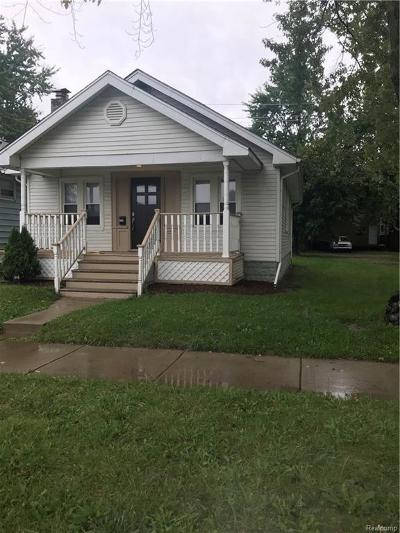 Ferndale Single Family Home For Sale: 247 E Bennett Ave