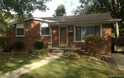 Madison Heights Single Family Home For Sale: 296 Royal Park Ln