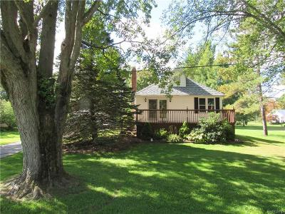 Saint Clair  Single Family Home For Sale: 6693 State Rd.