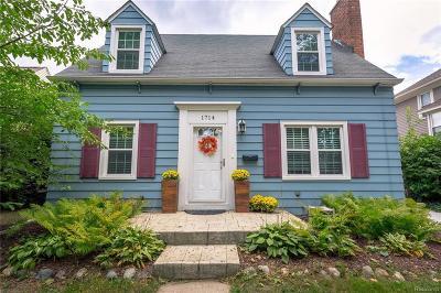 Royal Oak Single Family Home For Sale: 1714 W Farnum Ave