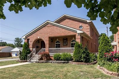 Dearborn Heights Single Family Home For Sale: 8401 Fenton