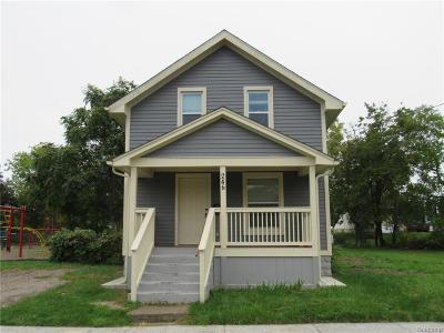 Pontiac Single Family Home For Sale: 246 Ferry Ave