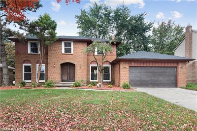 Rochester Hills Single Family Home For Sale: 125 Rose Brier Dr