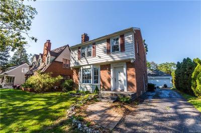 Royal Oak Single Family Home For Sale: 2229 Woodland Ave