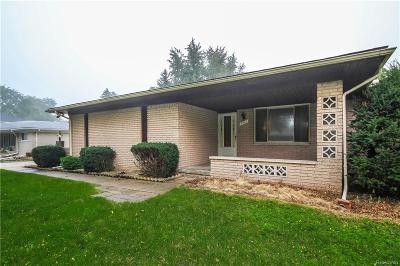 Troy Single Family Home For Sale: 5547 Falmouth Dr