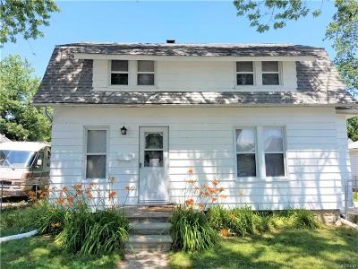 Saint Clair Shores Single Family Home For Sale: 22501 Hanson Crt