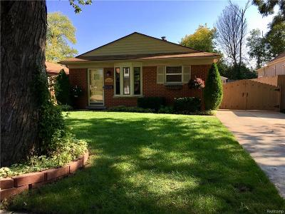 Dearborn Heights Single Family Home For Sale: 5746 Mayburn St
