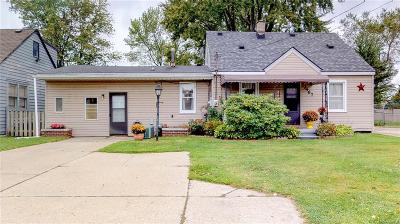 Warren Single Family Home For Sale: 23467 Schoenherr Rd