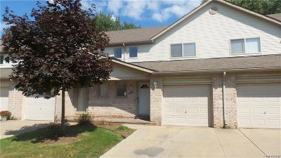 Roseville Condo/Townhouse For Sale: 20975 Flora St