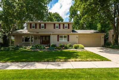 Plymouth Single Family Home For Sale: 10527 Brookwood Dr