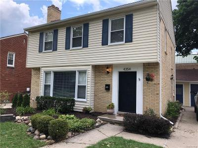 Royal Oak Single Family Home For Sale: 4354 Arden Place