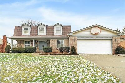 Livonia Single Family Home For Sale: 33424 6 Mile Rd