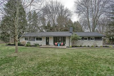 Bloomfield Hills Single Family Home For Sale: 686 Wattles Rd