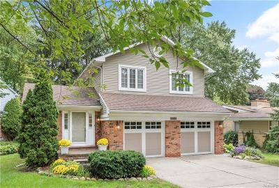 Bloomfield Hills Single Family Home For Sale: 2035 Devonshire Rd