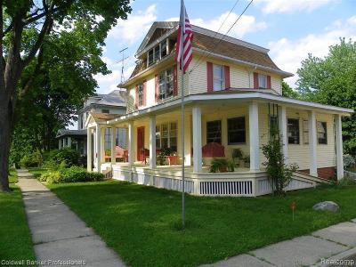 Lapeer Single Family Home For Sale: 906 N Calhoun St