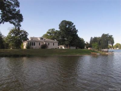 Oakland Single Family Home For Sale: 9140 Pontiac Lake Rd