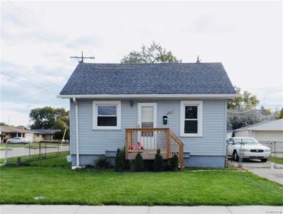Roseville Single Family Home For Sale: 25680 Dodge St.
