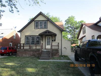 Saint Clair Shores Single Family Home For Sale: 20935 Yale St