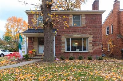 Grosse Pointe Woods Single Family Home For Sale: 1866 Littlestone