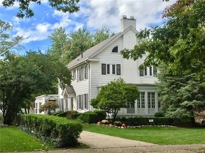 Grosse Pointe Single Family Home For Sale: 617 Washington Rd