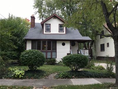 Royal Oak Single Family Home For Sale: 218 Waverley Ave