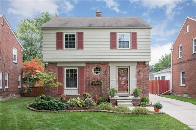 Grosse Pointe Woods Single Family Home For Sale: 1311 Hollywood Ave