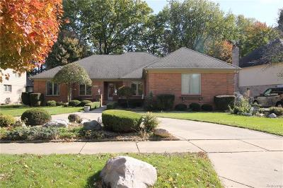 Shelby Twp Single Family Home For Sale: 52396 Royal Forest Dr