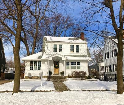Royal Oak Single Family Home For Sale: 1622 Roseland Ave