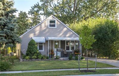Royal Oak Single Family Home For Sale: 1805 Guthrie Ave