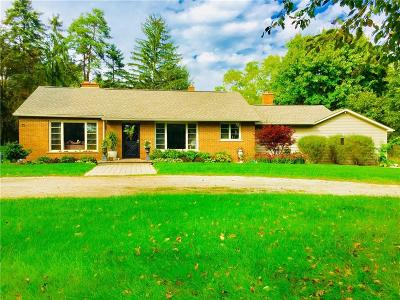 Clarkston Single Family Home For Sale: 5350 Clarkston Rd