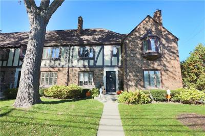 Grosse Pointe Condo/Townhouse For Sale: 17129 Maumee Ave