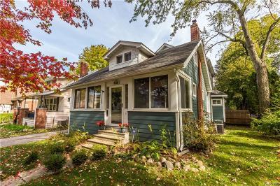 Royal Oak Single Family Home For Sale: 1036 N Maple Ave