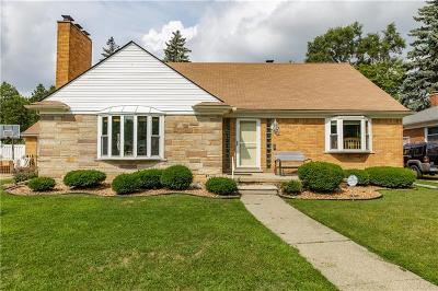 Dearborn Heights Single Family Home For Sale: 6943 N Lafayette St