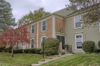 Rochester Hills Condo/Townhouse For Sale: 1357 Autumn Ln